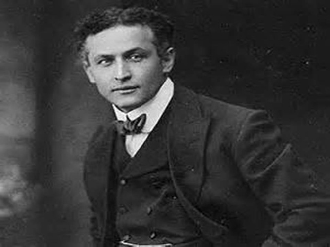 Harry Houdini - Best Entertainer in American History