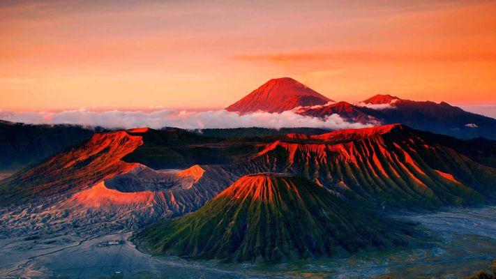 Mount Bromo Sunset Tour from Surabaya, Malang, Banyuwangi