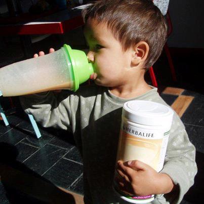 Sådan laver du super sunde shakes til dig selv og dine børn!