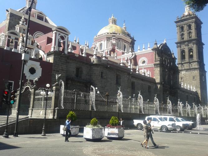 La Catedral Basílica de Puebla, como se conoce a la catedral de