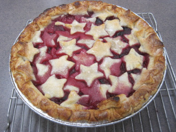 Berry Star Pie by Jenna Scheckel