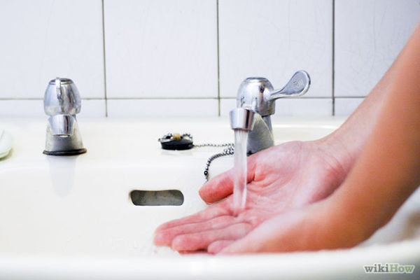 670px-Wash-Your-Hands-Step-1