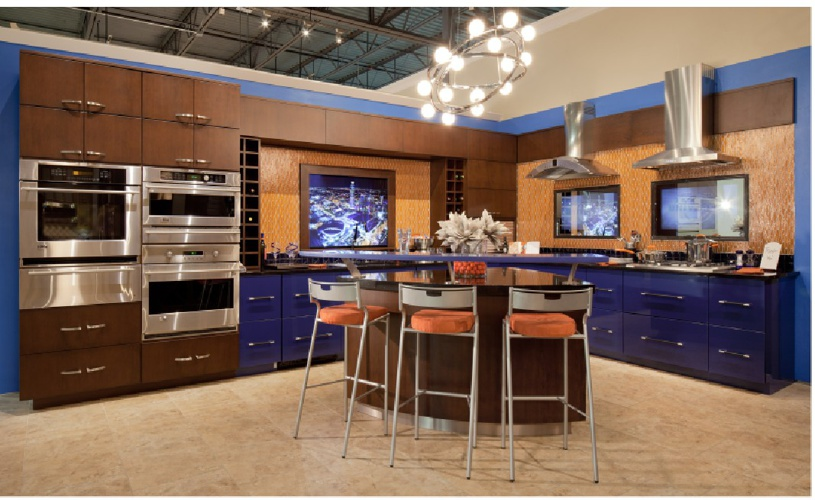 Kitchen Displays in Oklahoma City Store by Edmond Kitchens