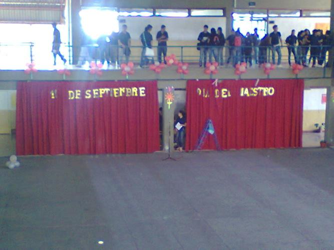 Colegio Dr. Ernesto Miguel Araoz