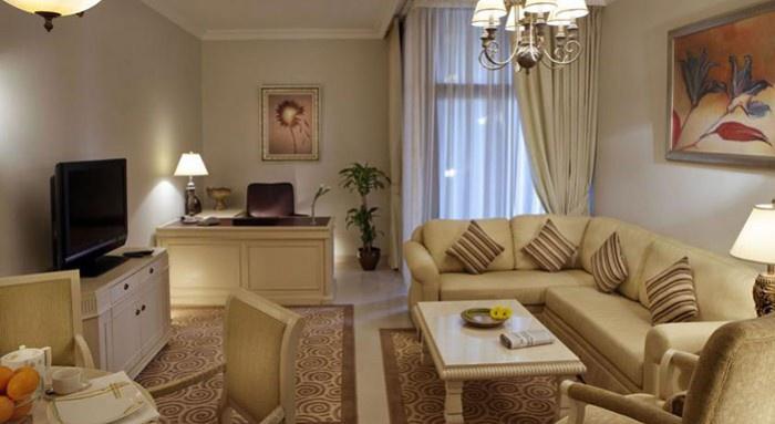 gloria_hotel_bedroom-2
