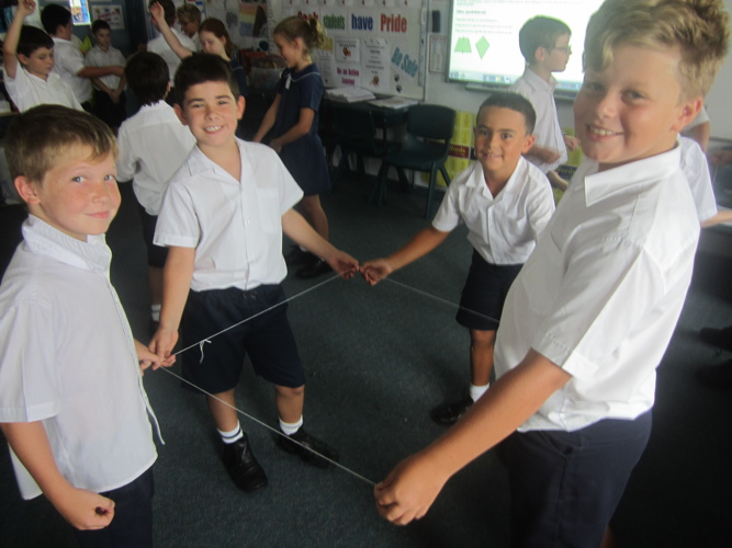 Maths - Making 2D Shapes Out of String