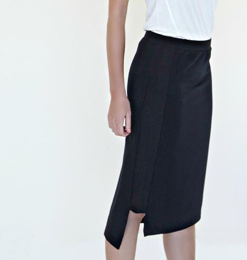 ARMYof1 CATALOG 2-Length Skirt black frontside 6696 version2