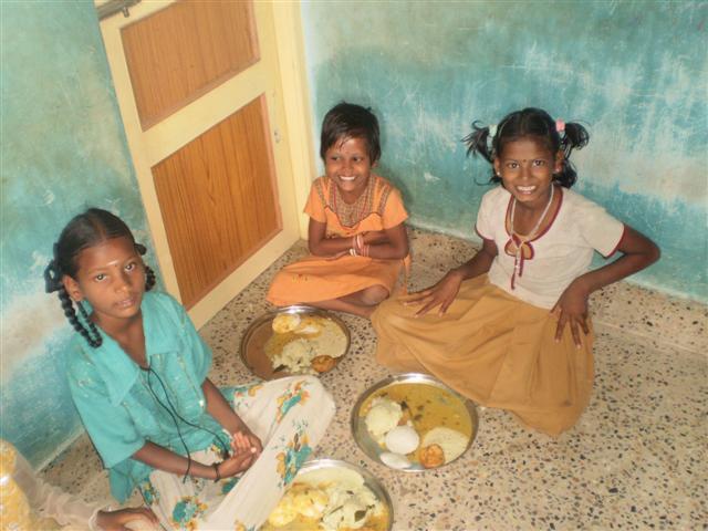 தெய்வத்திரு. அகிலாண்டம் மகாதேவன் அவர்களின் நினைவாக