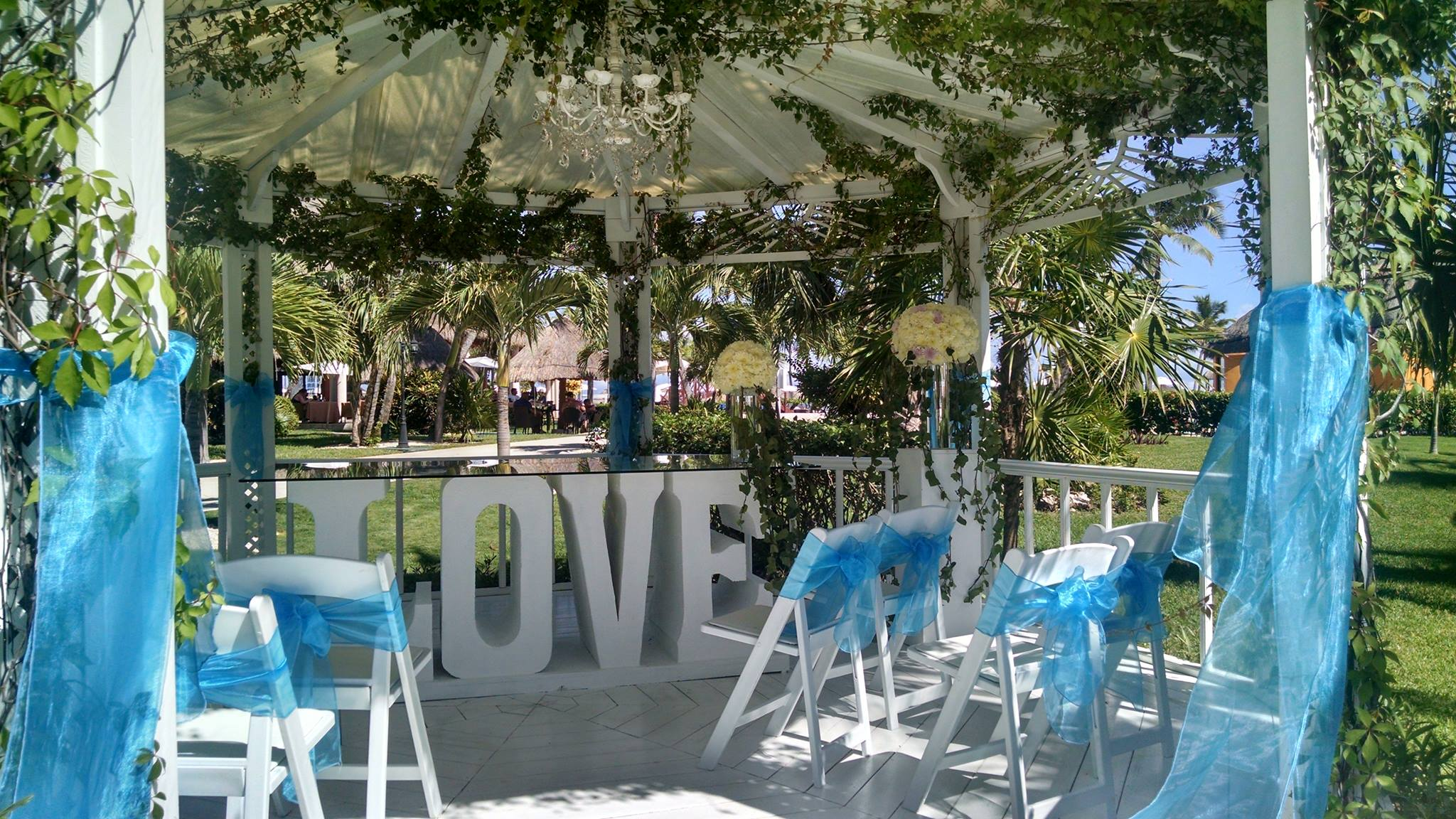 Caribbean destination wedding planning fox world travel for Destination weddings in the caribbean