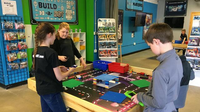 MeeperBOT takes Legos to next level
