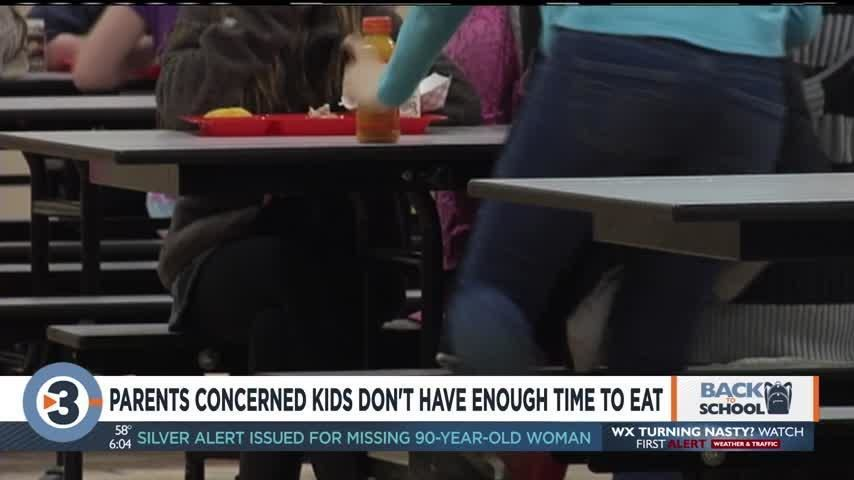 """Lunch """"hour"""" no more: Parents, administrators concerned that students don't get enough time to eat"""