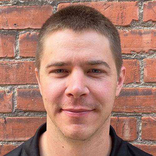 Cody Warren headshot