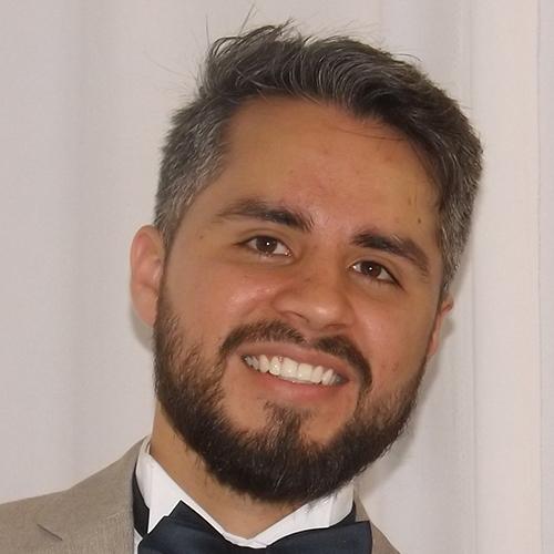 Esteban Núñez headshot