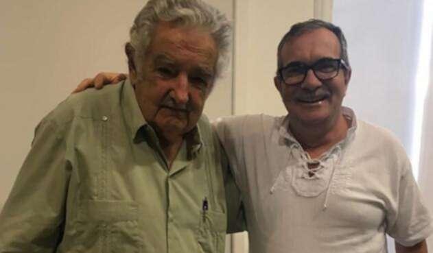 Mujica-Timochenko-LA-FM-@TimoFARC.jpg