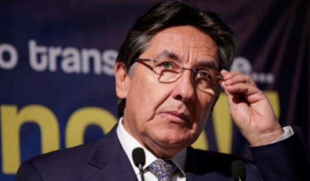 Nestor-Humberto-Martinez.jpg