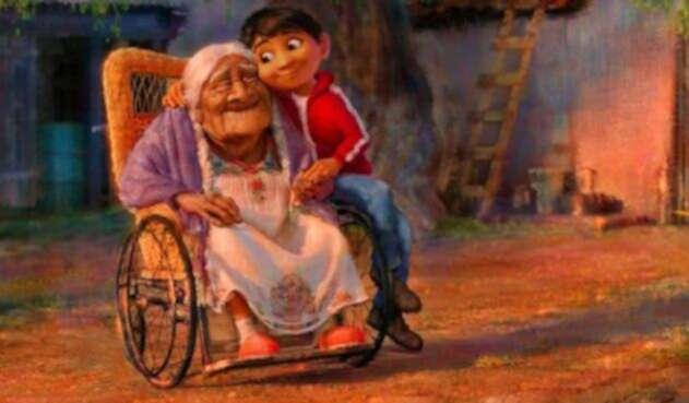 Pixar-Post-Coco-Miguel-and-Abuelita-600x400.jpg