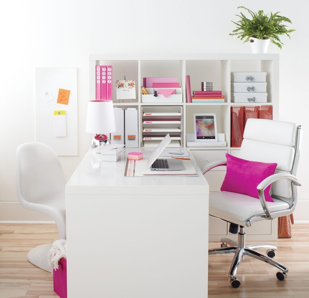 Style smarts and functionality enhance even the most humdrum home work space.