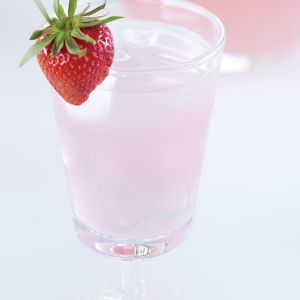 With delicious fruity flavor, strawberry lemonade quenches everyone's thirst.