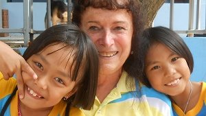 Karen Andrews served as an education Volunteer in Thailand from 2013 to 2015.