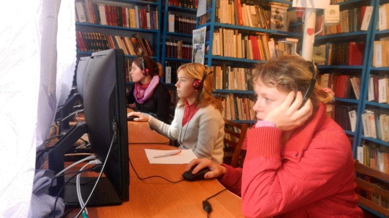 Students work on computers in the newly renovated library.