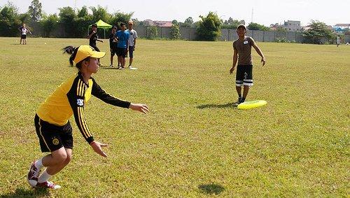 Cambodia frisbee