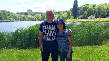 Jarmul with Wife in Moldova 1