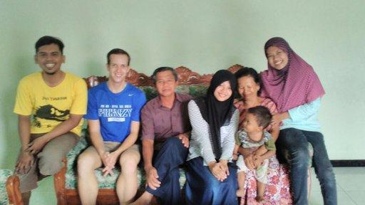 Rumah Indonesia saya means my Indonesian home.