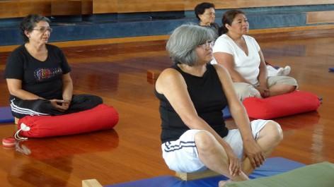 Taller de Yoga para Personas Adultas Mayores
