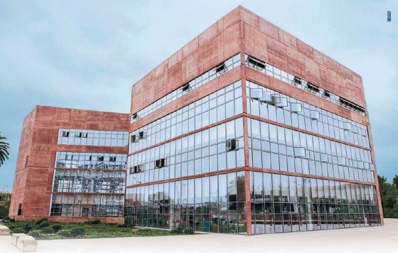 Somos una Universidad acreditada internacionalmente