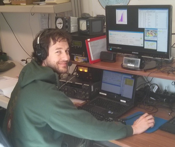 20170326 Javier EA1HEO operating DL0ESA during CQ WW WPX