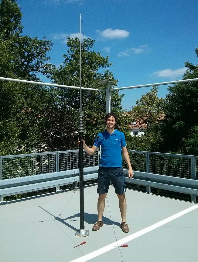Javier mounting Monole antenna