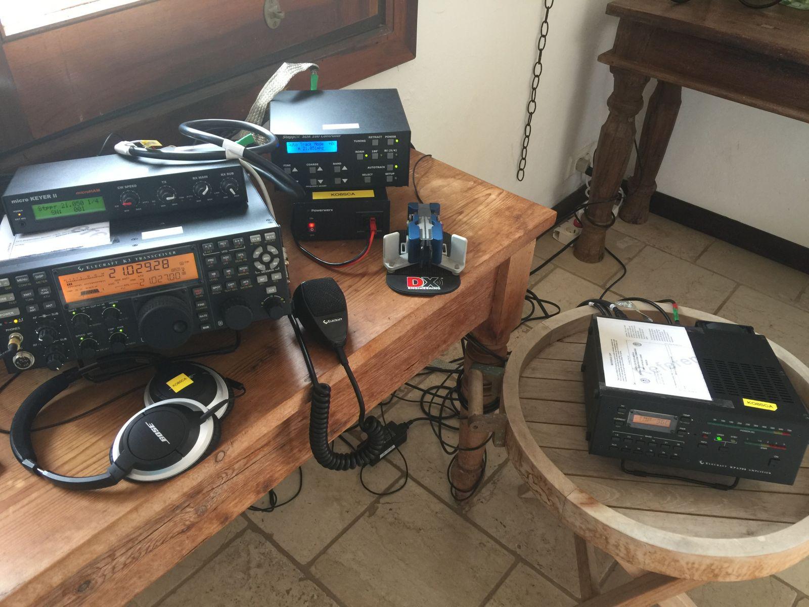 FJ/KO8SCA Elecraft transceiver and amp