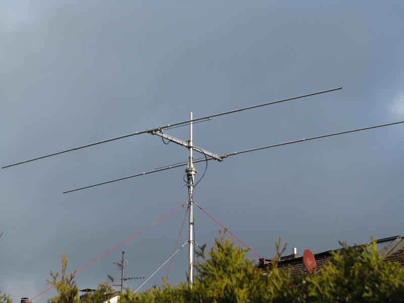 my selfmade HB9CV-Antenna for 28 MHz