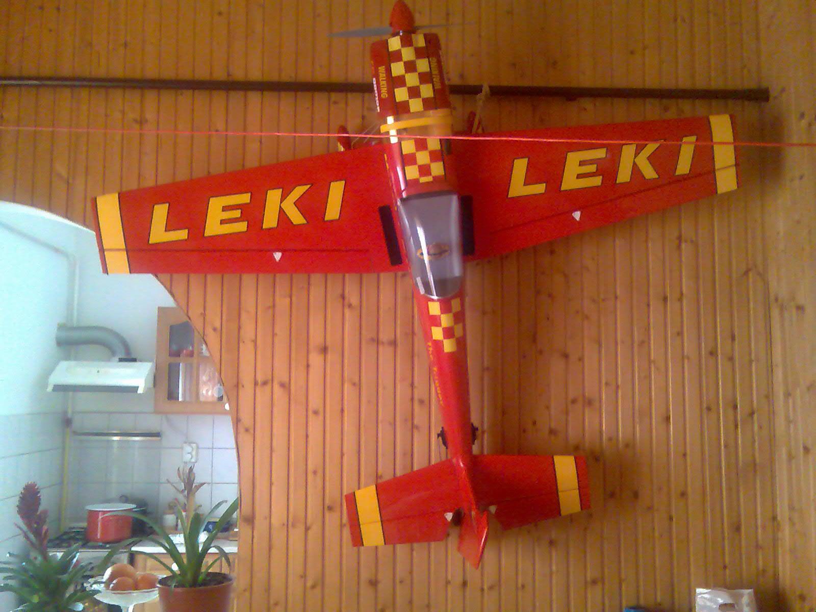 RC modell Extra-300L  'LEKI'