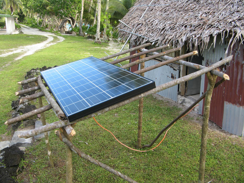 Solar_panel_for_radio_shack.jpg
