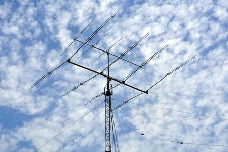 Up: 5 elements yagui for 6 meters band; dawn: KLM KT 34 tribander