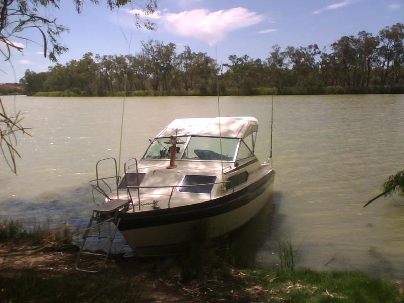 This is my boat on the beautiful River Murray. On this occasion I spent two days chatting with National & Conservation Park Activators
