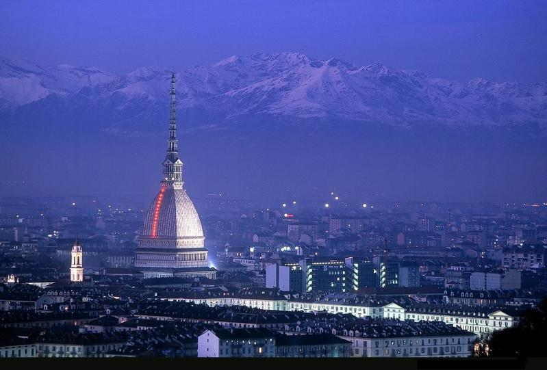 Turin by night, ( Est Hill View)