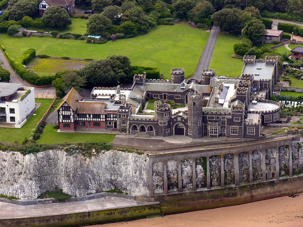 Aerial picture of Kingsgate Castle