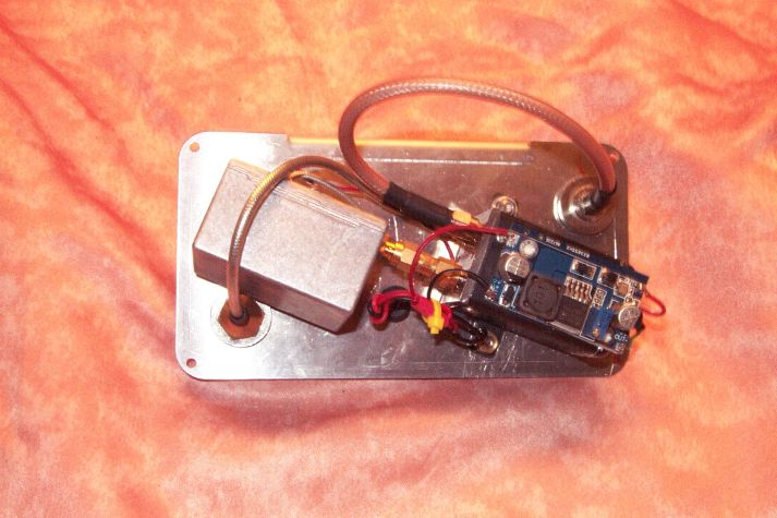1296Mhz  masthead preamplifier : 20dBgain 0,52dBnoise with coaxial relais 350W transit. Psu 10/18V