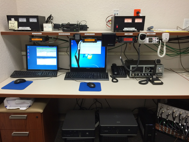 WinLink 2000 Mail Server (Left) and Peer to Peer Station (Right)