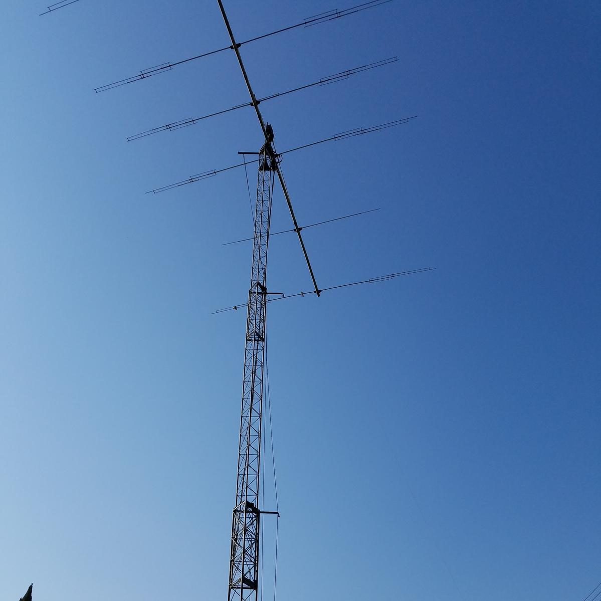 M2 KT-36XA, boom loaded for 40m, and 75/80 sloper on TX-455 Tower