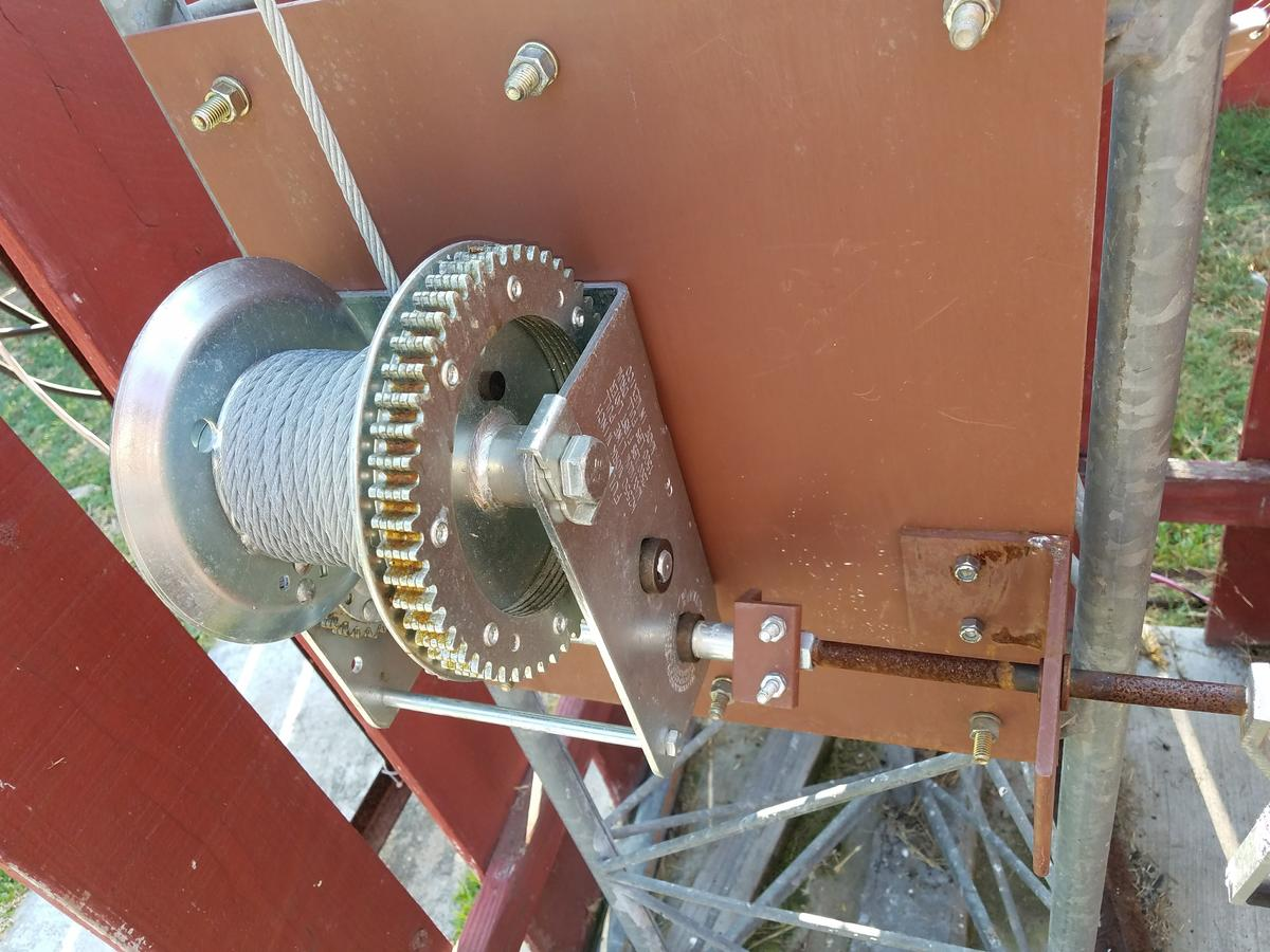 New Fulton 2550 winch and homebrew mount on the TX-455 Tower