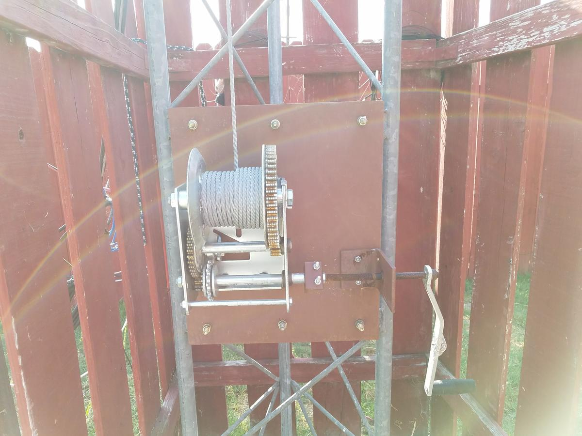 Fulpton 2550 winch mounted on TX-455 tower