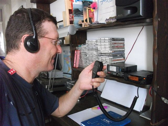 transmitting the weekly net on r-7 tel aviv repeater