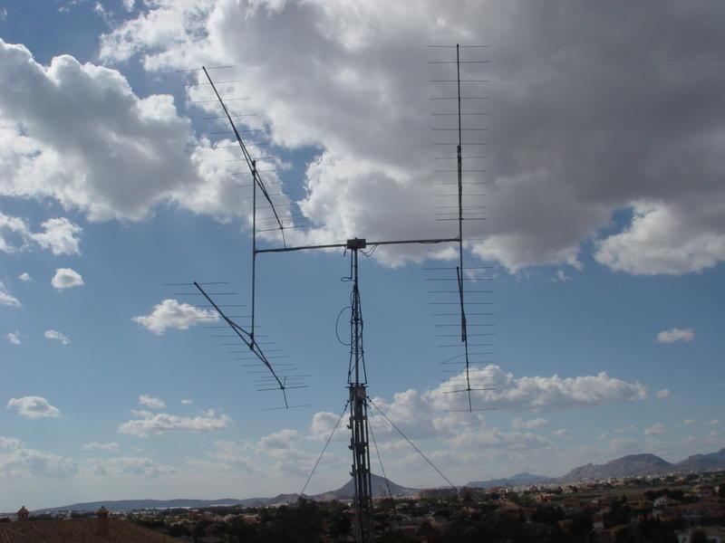 VHF    4X17