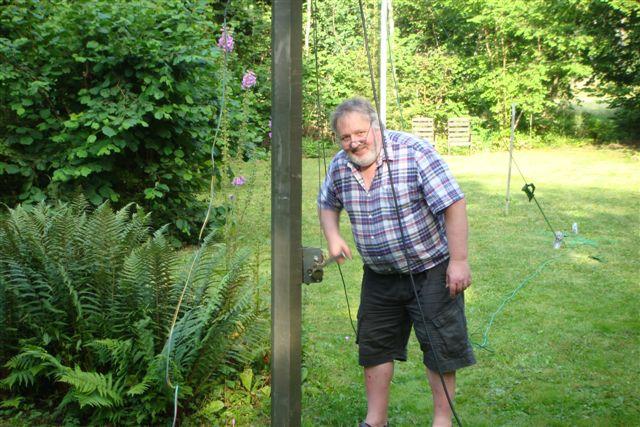Erecting the beam for 2012 IOTA contest