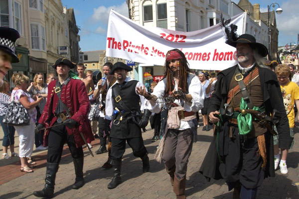 Pirate Day - Hastings 2012 - Robby Ryde