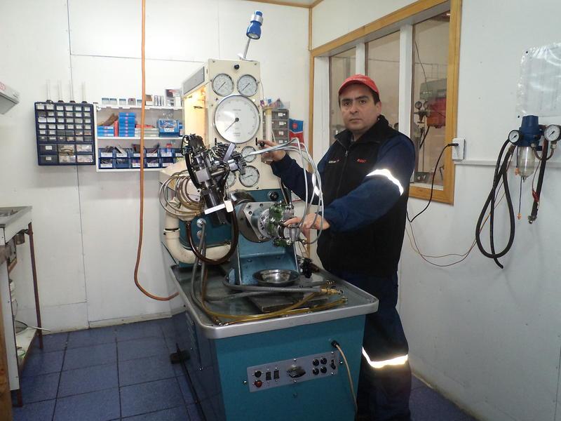 Mi Trabajo .Tengo un taller independiente dedicado a la reparacion de Bombas inyectoras
