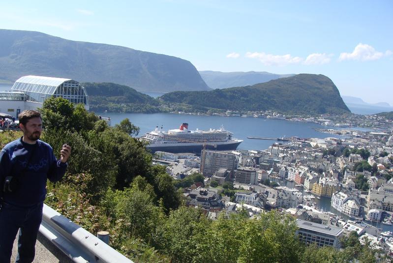 via LA6MR Alesund-Norge